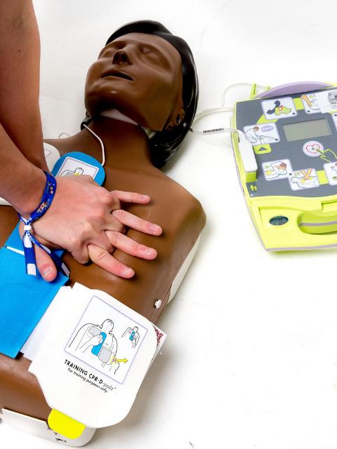 S'initier à l'utilisation du Défibrillateur Semi-Automatique (DSA)